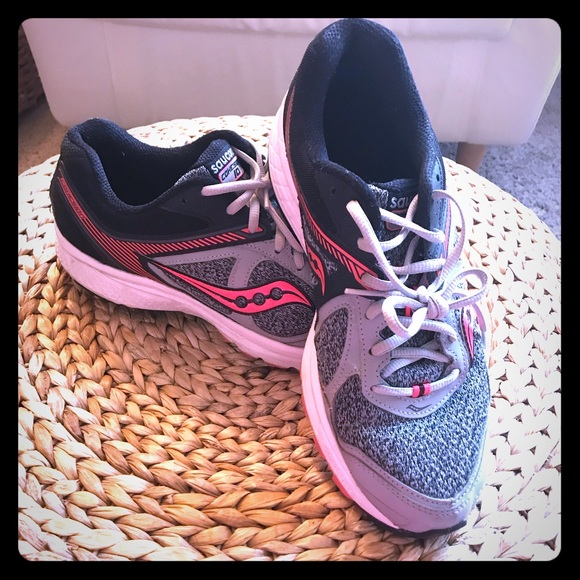 Saucony Womens Cohesion 10 Running Shoes Sneakers
